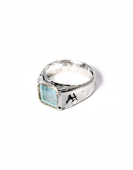 Anello chevalìer acquamarina taglio smeraldo